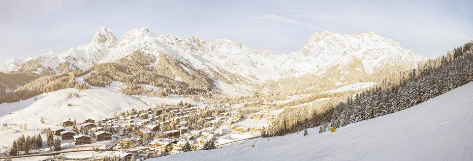 Austria, Salzburg State, Region Hochkoenig, Steinernes Meer, ski area in winter, View to Hinterthal, Panorama - DISF001417