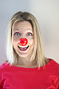 Portrait of blond woman with clown's nose - CHPF000083