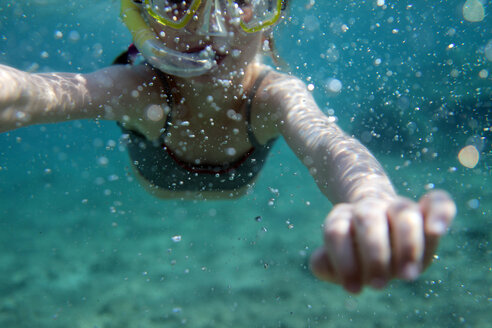 Europe, Girl snorkeling in sea - SAF000017