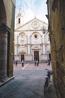 Italy, Tuscany, Pienza, Santa Maria Assunta Cathedral - GS000949
