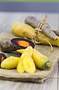 Organic Purple Haze and yellow carrots - JUNF000224