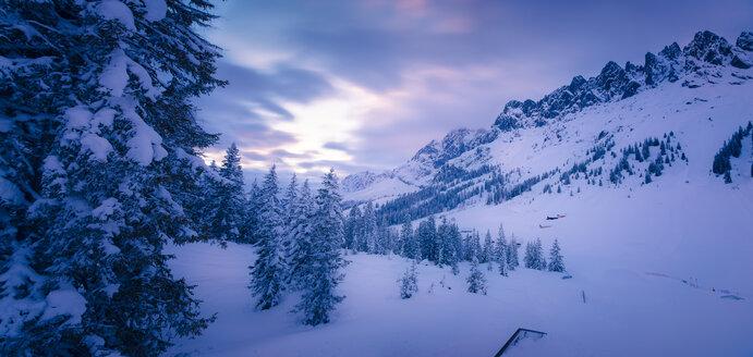 Austria, Hochkoenig, Muehlbach, view to snow-covered Mandlwand - STCF000097