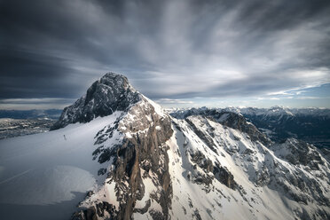 Austria, Schladming, Dachstein Mountains with south face of Hunerkogel in the foreground - STCF000100