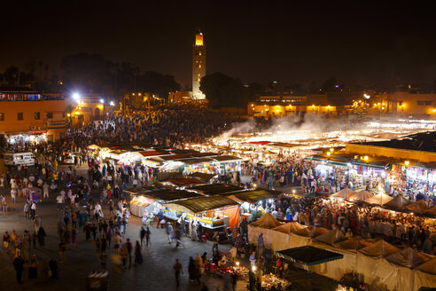 Morocco, Marrakesh, Djemaa el Fna at night - STDF000127