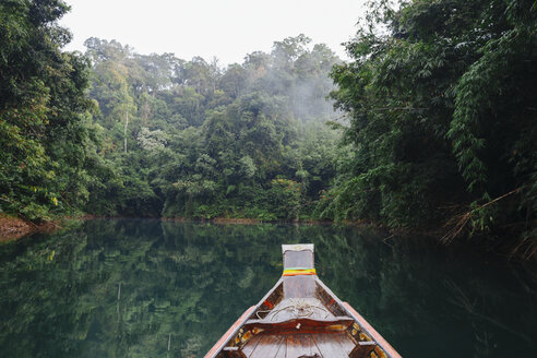 Thailand, Khao Sok National Park, longtail boat in jungle - STDF000158