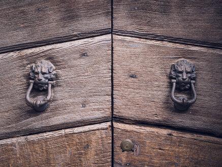 Italy, Tuscany, Montefollonico, door knocker - GSF000986