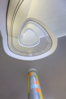 Stairwell and column - HC000111