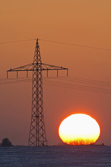 Germany, sunset besides electricity pylon - UMF000751