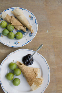 Plates with crepes, compote and greengages - GISF000066