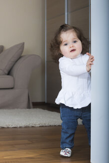 Little girl trying first steps - JTLF000057