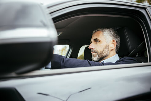 Man driving car - MBEF001325