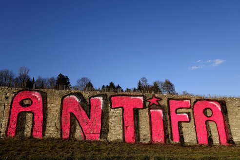 Germany, Wuerzburg, Antifa, anti fascist, grafitti, vineyard - ND000527
