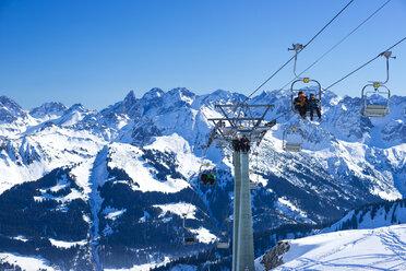 Austria, Vorarlberg, Kleinwalsertal, ski lift Hahnenkoepflebahn - WG000625
