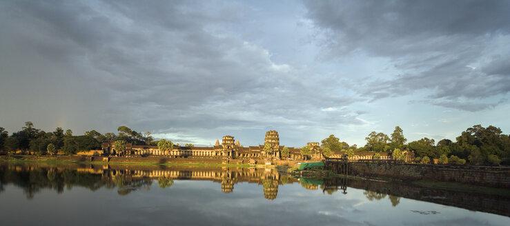 Cambodia, Siem Reap, Angkor Wat - NNF000218