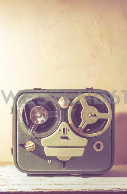 Old vintage tape recorder - DEGF000386