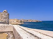 Italy, Sicily, Syracuse, Ortygia, Piazza Federico de Sveia d'Ortigia, view from Castello Maniace - AMF003917