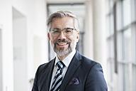 Portrait of confident businessman - RBF002548