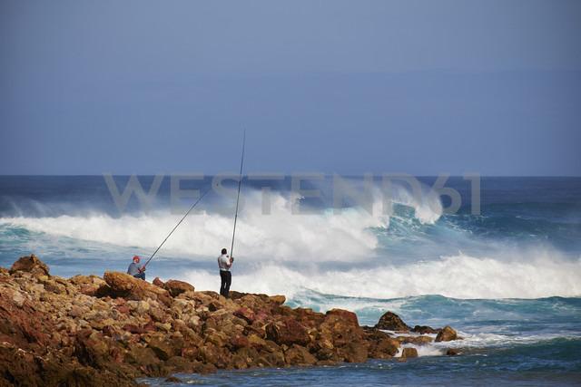 Portugal, Algarve, Sagres, two angler at Bodeira Beach - MR001530