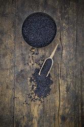 Black organic basmati rice in bowl, small shovel - LVF003074
