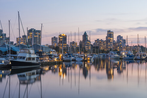 Canada, British Columbia, Vancouver, skyline at dusk as seen from Stanley Park - KEBF000018