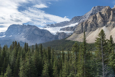 Canada, British Columbia, Banff National Park, view from Icefields Parkway - KEBF000032