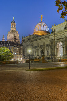 Germany, Dresden, view to lighted Art gallery at Lipsius building in the evening - PVCF000352