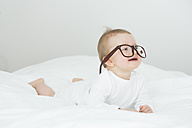 Baby girl wearing oversized glasses - JTLF000092