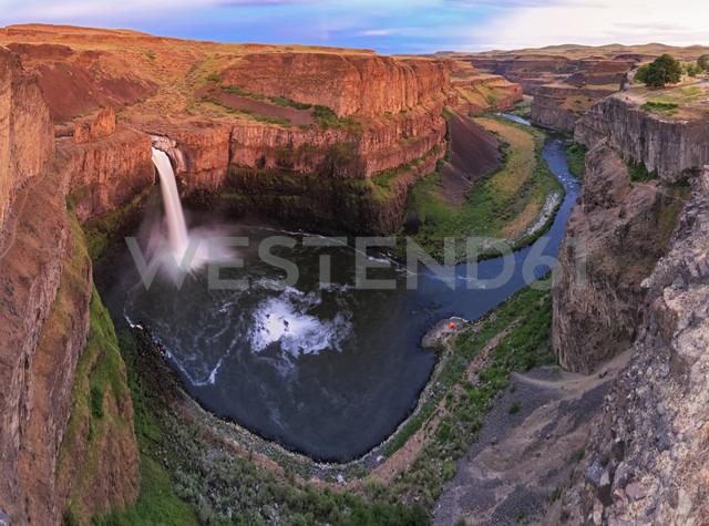 USA, Washington State, Palouse, Palouse Falls - FOF007936