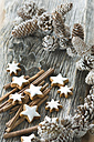 Cinnamon stars, cinnemon sticks and Christmas decoration - ASF005517