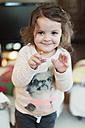 Portrait of smiling toddler girl - LSF000046