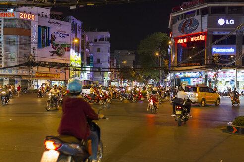 Vietnam, Ho Chi Minh City, road traffic at night - MAD000160