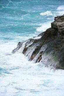 USA, Hawaii, Kilauea, surf on rocky coast, Kilauea Point National Wildlife Refuge - BRF001131