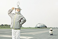Confident boy dressed up as spaceman - EDF000154