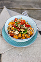 Vegan salad with spelt wheat, sesame, tofu, red bell pepper, snow peas and carrots - SARF001628