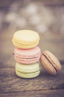 Stack of different macarons - SARF001644