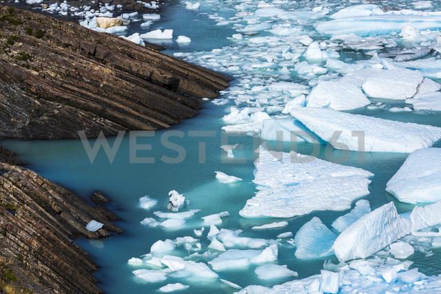 Argentina, Patagonia, Argentino Lake at Los Glaciares National Park with glacial ice - STSF000763