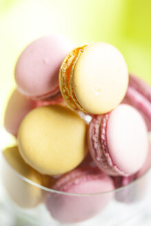 Macarons in glass, close-up - FLF000911