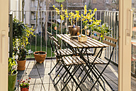 Balcony with table, chairs and Easter decoration - MFF001568