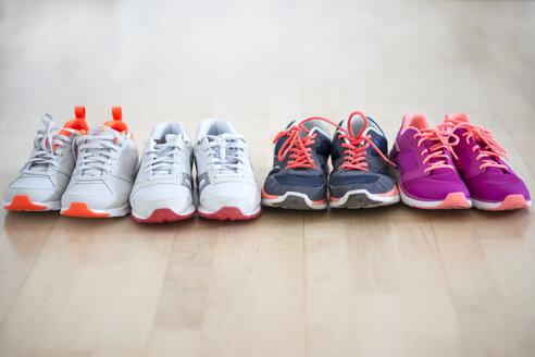 Row of four pair sneakers - CHPF000139