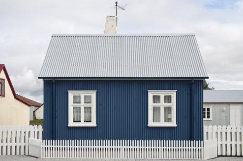 Iceland, Eyrarbakki, small blue one-family house - KEBF000179