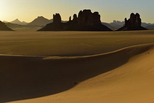 Africa, Algeria, Sahara, Tassili N'Ajjer National Park, Sunset over Timghas - ESF001568