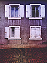 Germany, Rhineland-Palatinate, windows at old house - GW003950