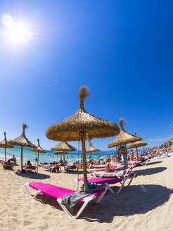 Spain, Baleares, Mallorca, El Arenal, Platja de Palma, view to beach - AM004003