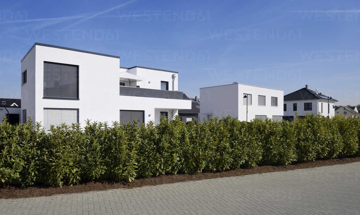 Germany, Langenfeld, detached one-family houses in development area - GUFF000104 - Guntmar Fritz/Westend61