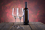 Still life with wine bottle and wine glasses - VTF000423