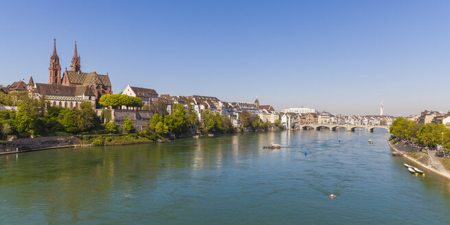 Switzerland, Basel, city view from the bank of the Rhine - WDF003084