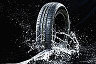Car tyre in wetness - MAEF010440
