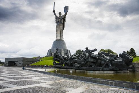 Ukraine, Kiev, Rodina-Mat statue and the Museum of The History of Ukraine in World War II - RUN000103