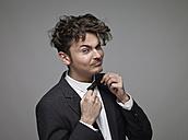 Portrait of man wearing bow tie - RH000868
