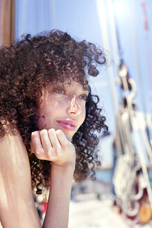 Brunette young woman on a sailing ship - TOYF000833
